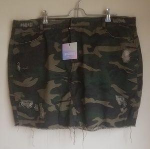 Camo denim Missguided Plus Size Skirt